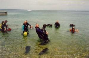 Praktični preiskus, kako izvlečemo onemoglega človeka na obalo